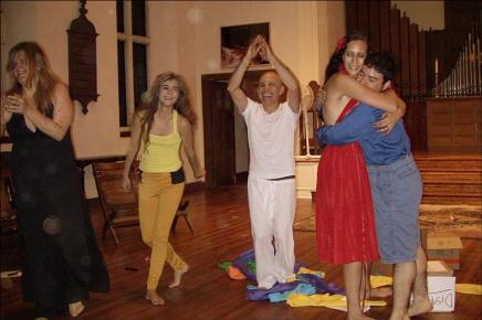 "Performance by members of ""Performeando"""